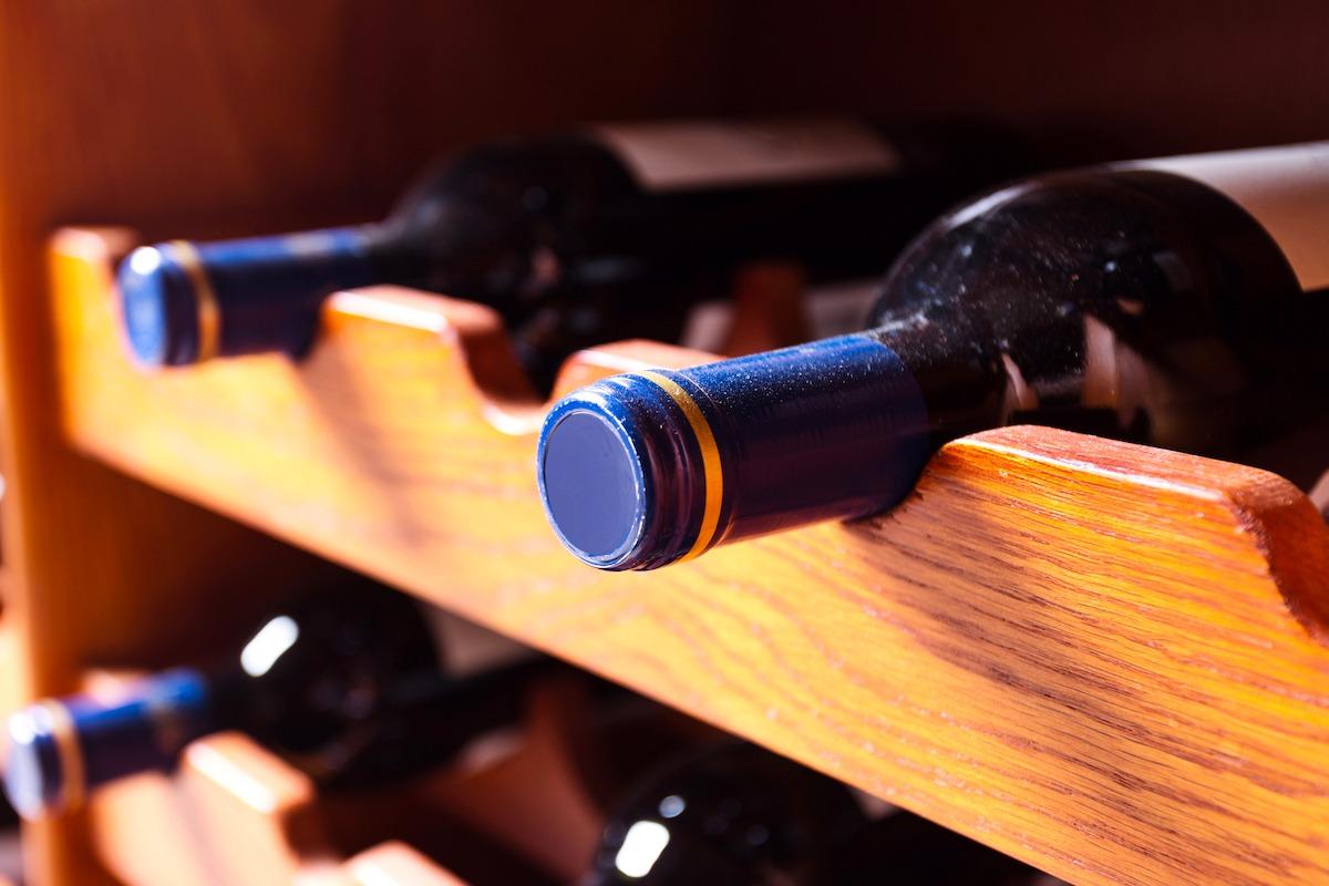 Quanto tempo guardar o vinho tinto