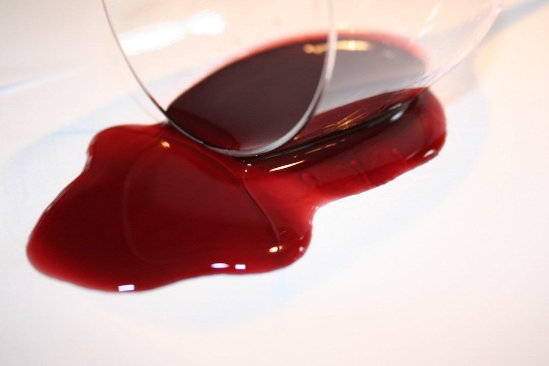 A cor do vinho tinto e suas características