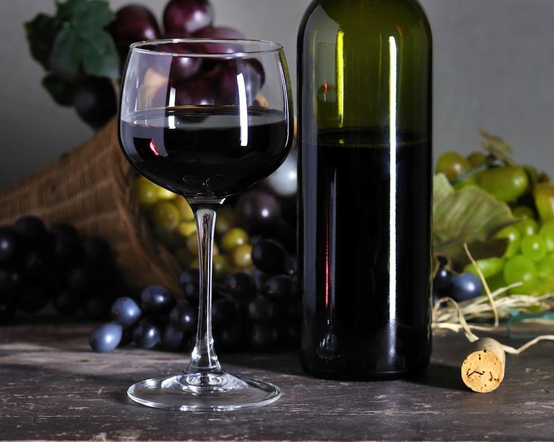 Afinal, vinho emagrece ou não