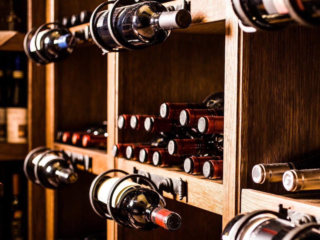 Descubra quanto tempo você pode armazenar o vinho